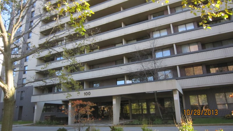 SOLD*****100 CANYON  AVE APT. 908 - $289,000